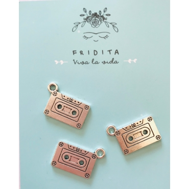 CHARMS CASETE